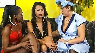 Hot Black Lesbian Teens Fuck Mature BBW Pussy (Vintage)